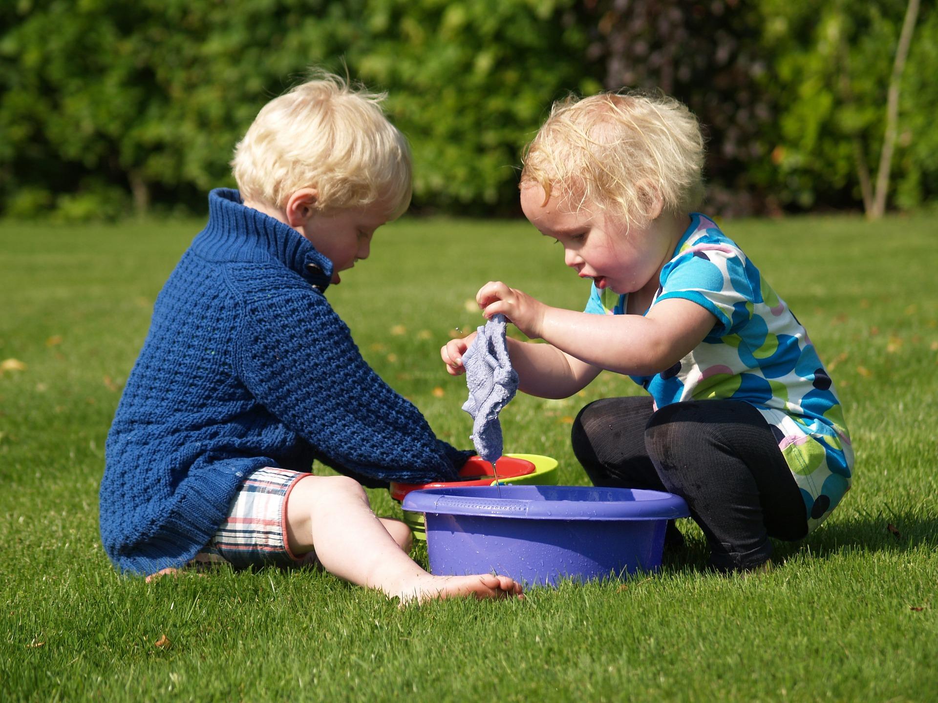 Cât de mult socializează copiii în mediul Montessori?